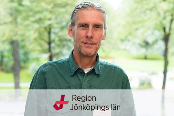 Profile picture of Sten Eliasson with Region Jönköpings län logo in foreground
